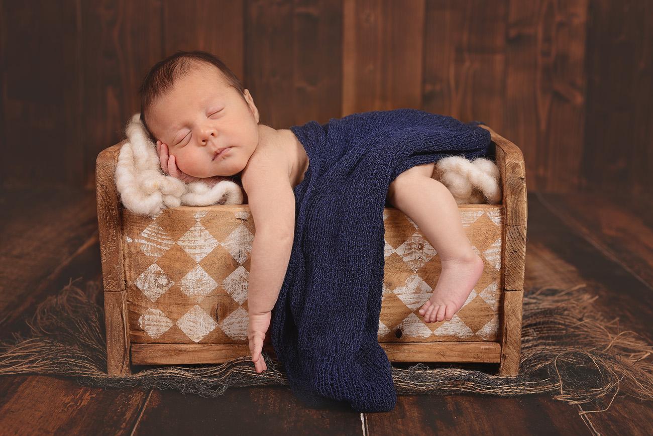 Neugeborenenfotos Rockenberg, Fotos Babys Butzbach, Stilvolle Babyfotos,